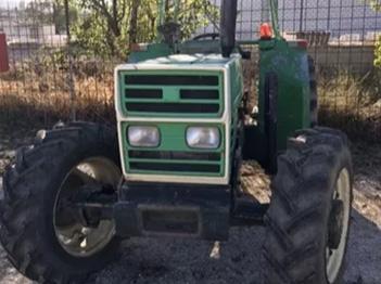 Se vende tractor Agrifull 70 E DT con soportes pala