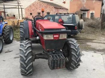 Venta de tractor Case 2140 doble tracción con 80 cv
